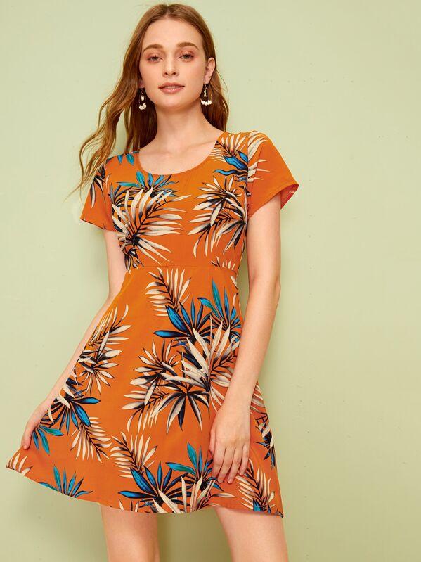 277c02398c5e Leaf Print Zipper Back Flowy Dress   SHEIN UK