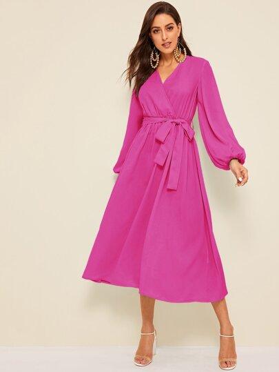 83fd9d464 فستان مطوي بحزام ذاتي وبأكمام فانوس بلون وردي