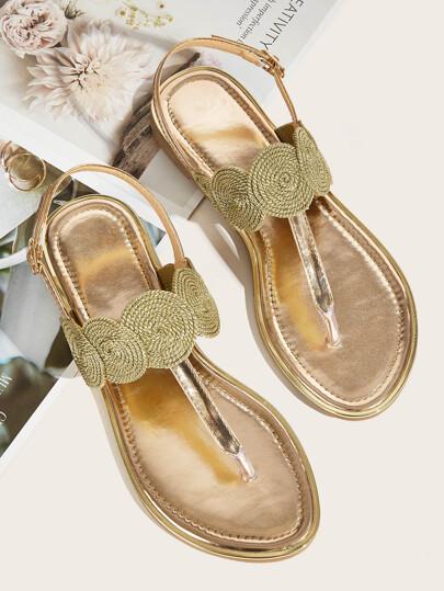 f673bdd05198 Sandalias chancletas con diseño trenzado