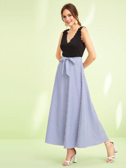 1552a3dfb49e56 Maxi Kleid mit Bogenkante und Gürtel