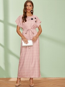 3D Appliques Belted Grid Maxi Dress