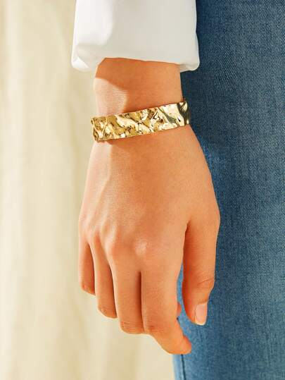 Textured Metal Cuff Bracelet 1pc