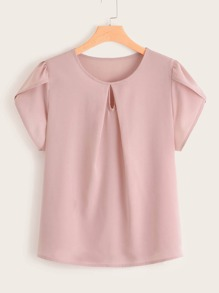 Plus Keyhole Front Petal Sleeve Top