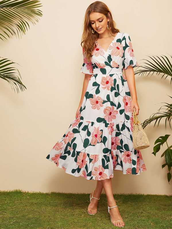 f44977bb5f Surplice Floral Print Ruffle Hem Dress | SHEIN