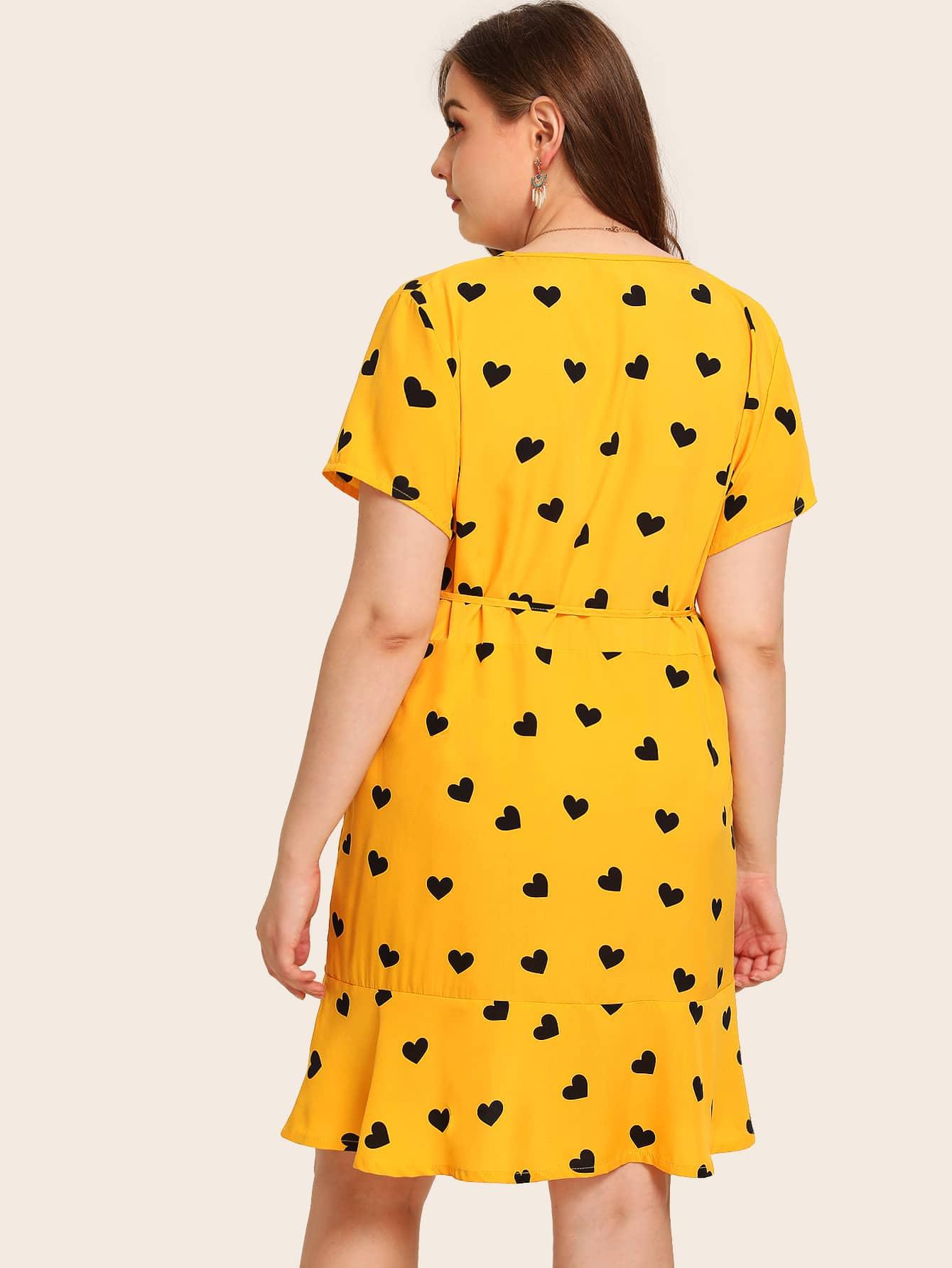 Übergroßes Kleid mit Herz Muster, Raffung und Gürtel | SHEIN