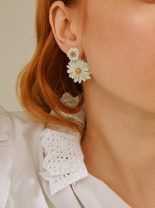 Double Daisy Design Drop Earrings 1pair