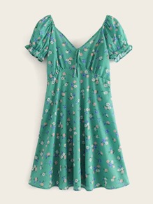 Ditsy Floral Print Sweetheart Neck Dress