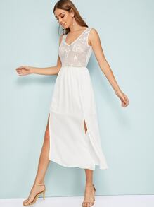 Solid Slit Hem Sleeveless Lace Dress