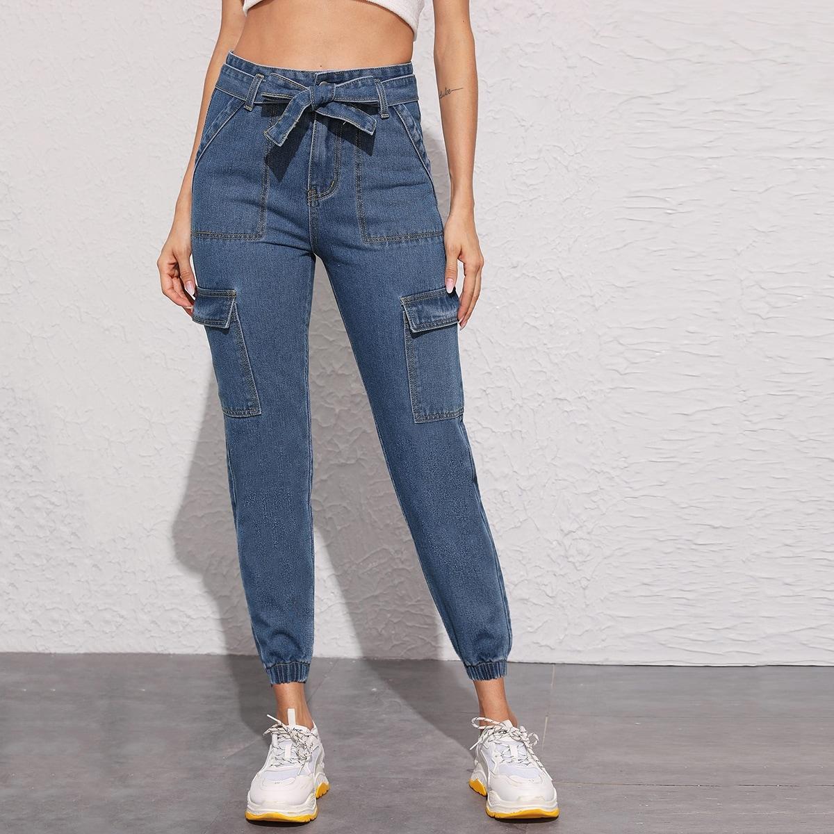Короткие джинсы с карманом и поясом