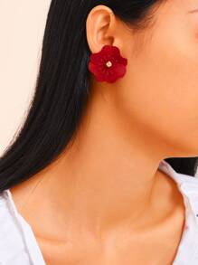 Flower Shaped Stud Earrings 1pair