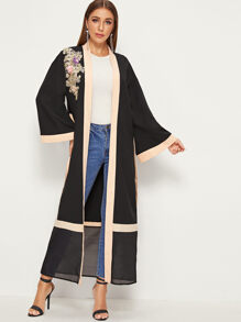 Contrast Trim 3D Appliques Patched Abaya With Belt