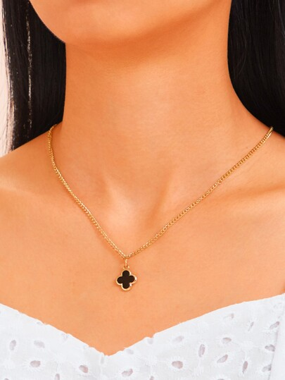 Clover Charm Chain Necklace 1pc