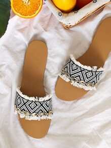 Random Print Fringe Trim Shell Decor Flat Sliders