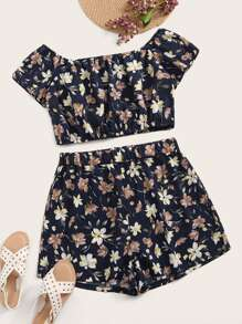 Plus Ditsy Floral Print Top With Shorts