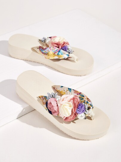2e834afb9 Floral Applique Decor Flip Flops