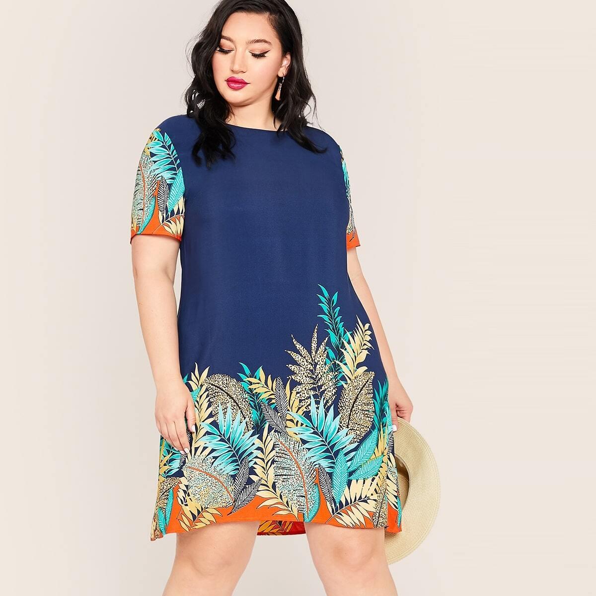 Платье размера плюс с тропическим принтом