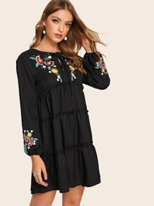 Floral Embroidery Knot Keyhole Front Peasant Dress