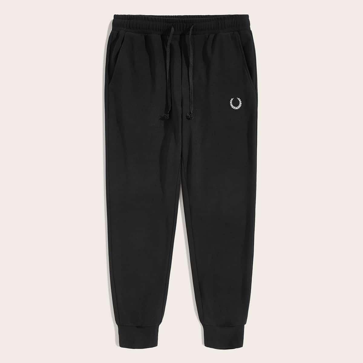 Мужские спортивные брюки с кулиской и вышивкой
