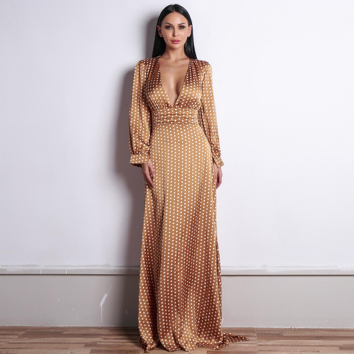 Атласное Длинное Платье В Горошек С Глубоким Вырезом