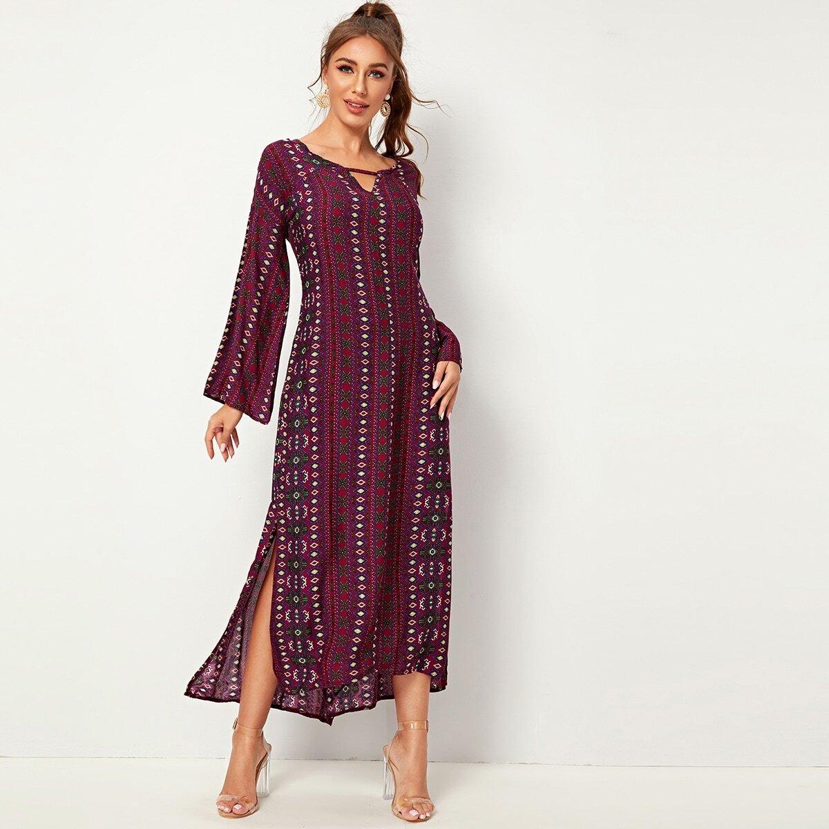 Платье с племенным принтом и разрезом