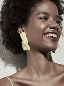 Wrinkled Irregular Earrings 1pair