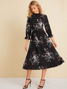 Floral Print Pleated Hem Belted Dress