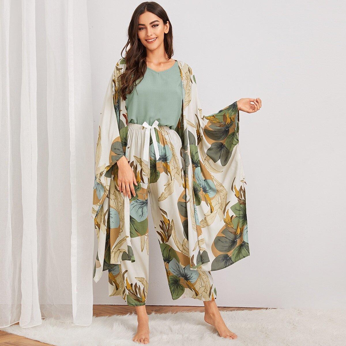 Пижама с лиственным принтом и халатом 4шт