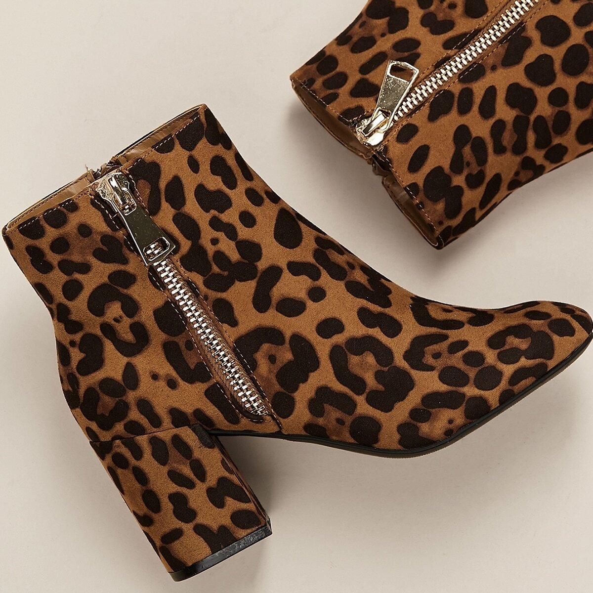 Леопардовые сапоги с массивным каблуком