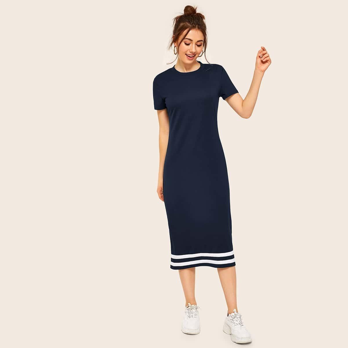 Стильное платье с полосками