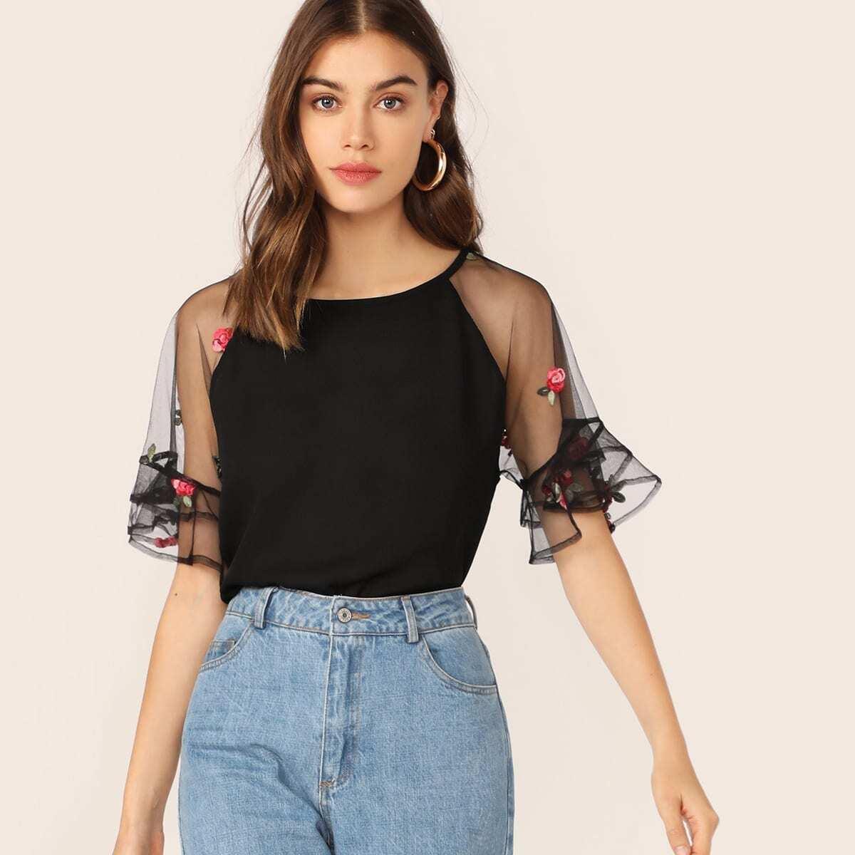 Блуза с прозрачными сетчатыми рукавами с вышивкой