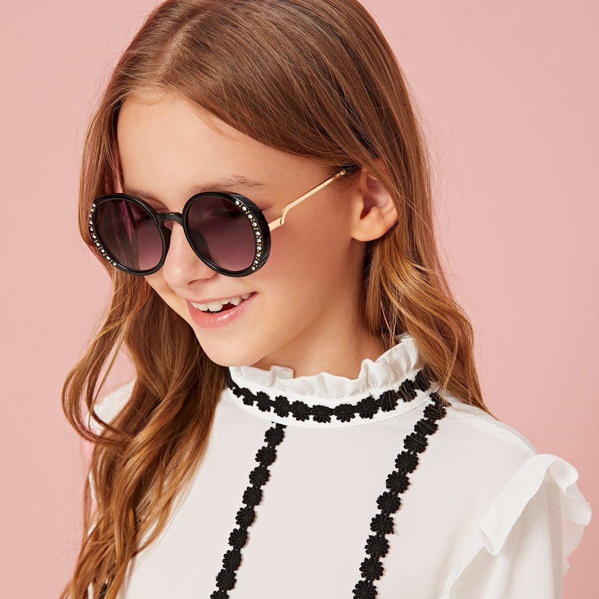 Детские солнечные очки со стразами и футляром