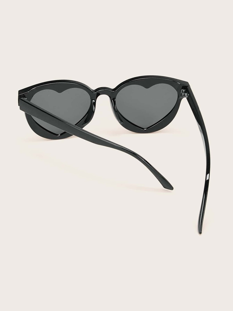 últimas tendencias de 2019 múltiples colores zapatos deportivos Gafas de sol de lentes planas de marco con corazón