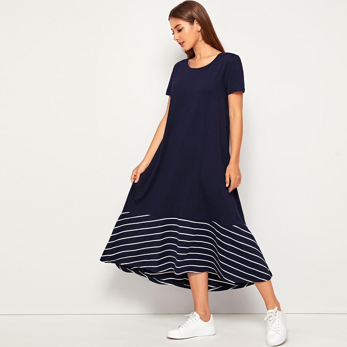 Платье с коротким рукавом и полосками