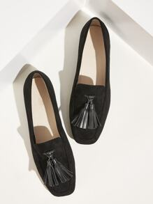 Tassel Decor Slip On Loafers