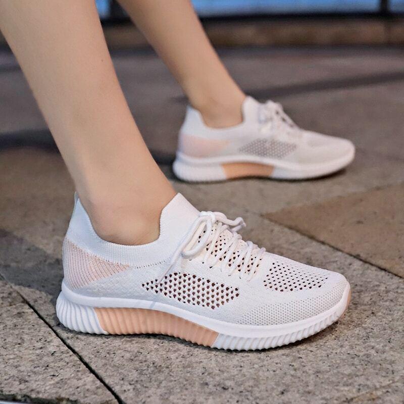 Трикотажные кроссовки на шнурках