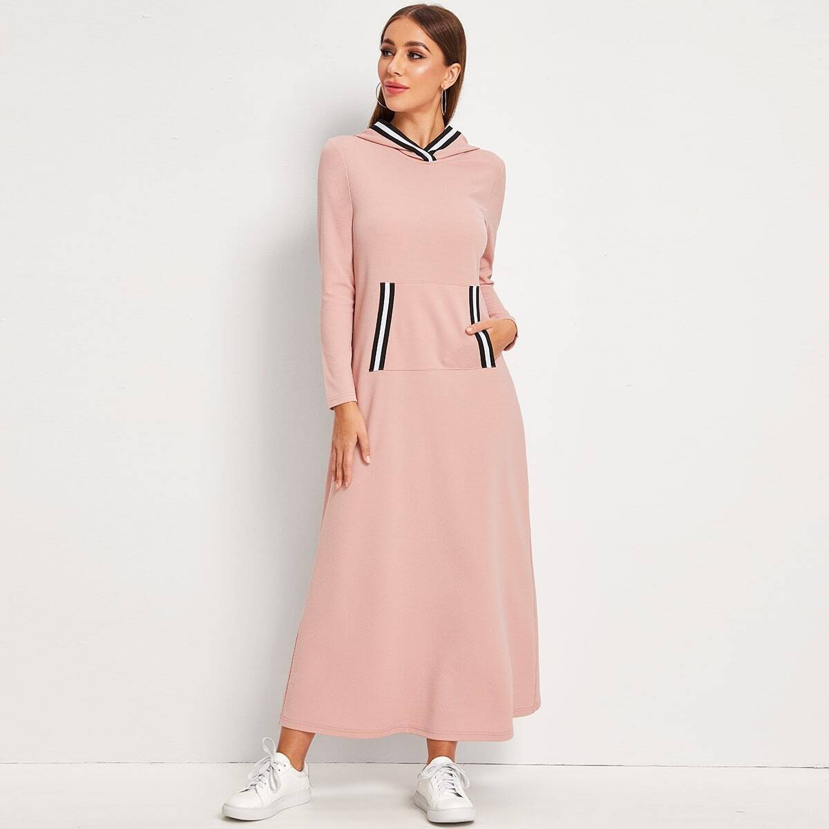 Платье с карманом и полосками