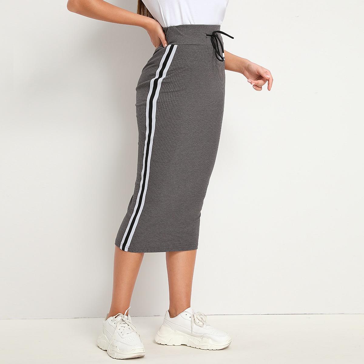 Трикотажная юбка на кулиске с полосками