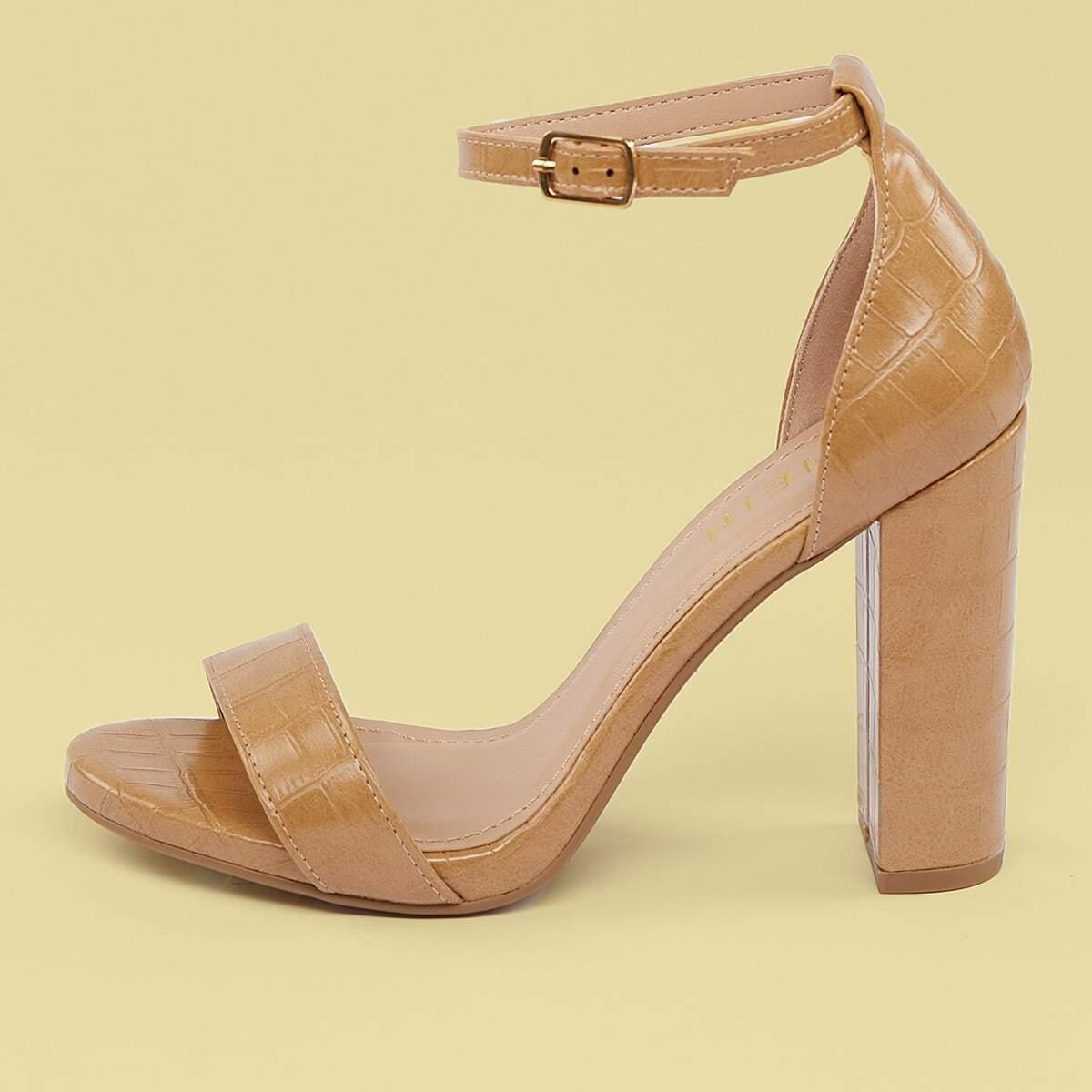 Рельефные туфли с массивным каблуком и открытым носком от SHEIN