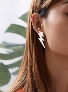 Thunder Stud Earrings 1pair