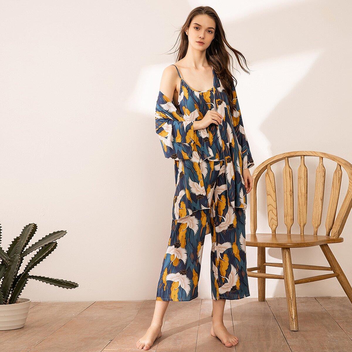 Пижама с графическим принтом и халатом