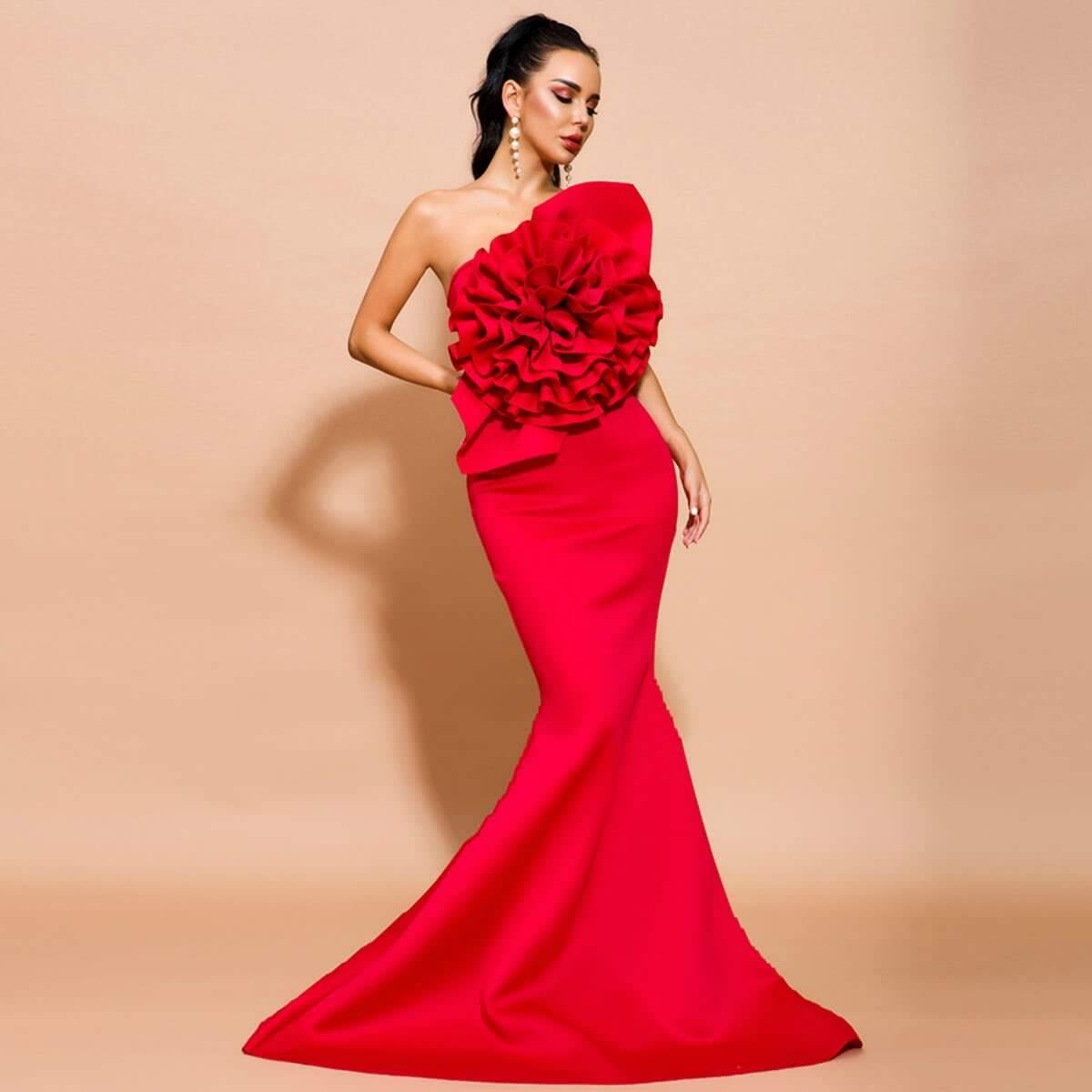 платье-русалка без бретелек с оборками