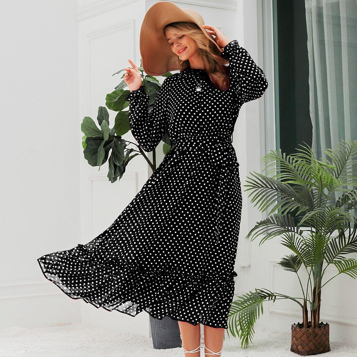 платье в горошек с оборками и поясом
