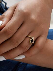 Clover Decor Ring 1pc