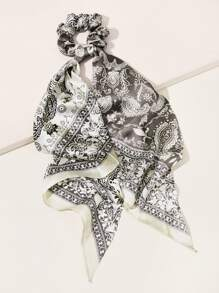 Paisley Graphic Scrunchie Scarf