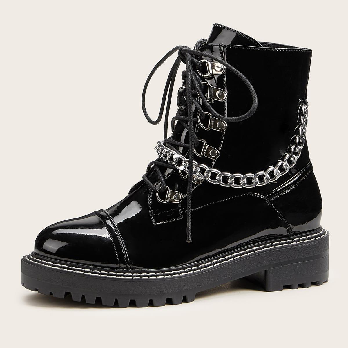 Сапоги на шнурках с цепочкой