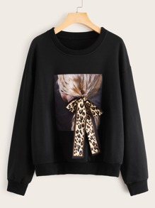 Figure Graphic Knotted Detail Sweatshirt