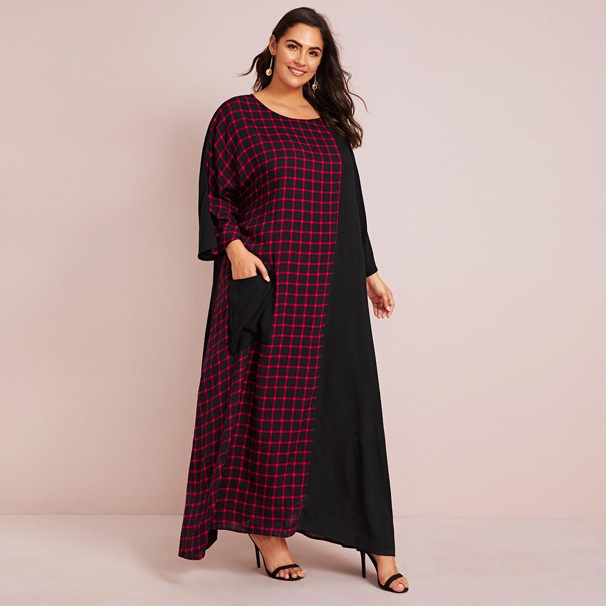 Контрастное платье в клетку размера плюс с карманом