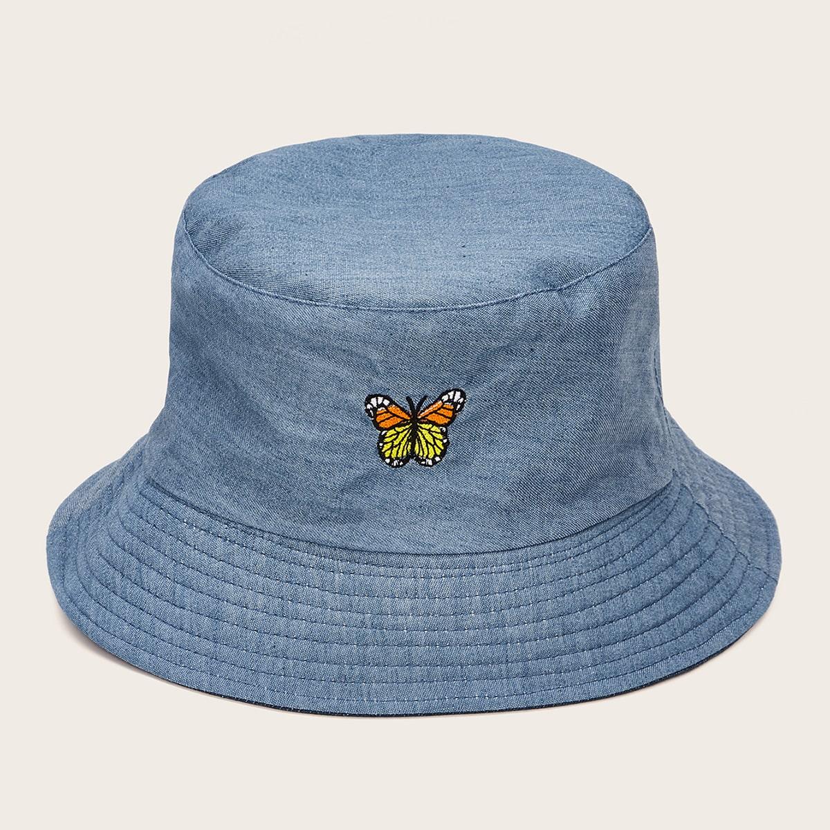 Шапка с вышивкой бабочки