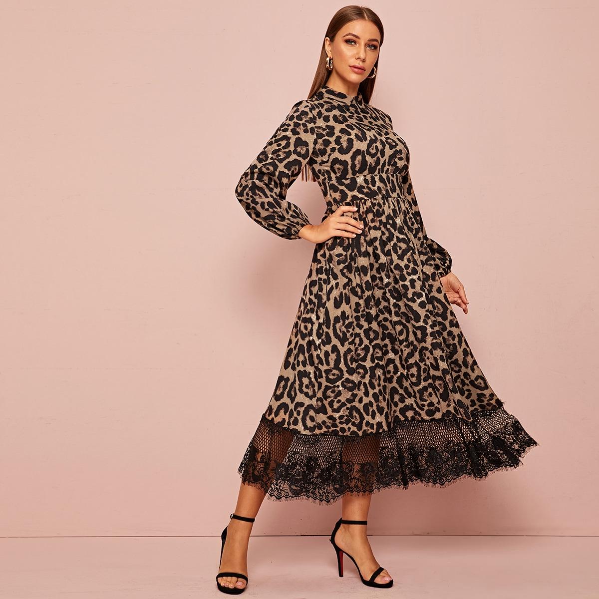 Леопардовое платье с кружевом