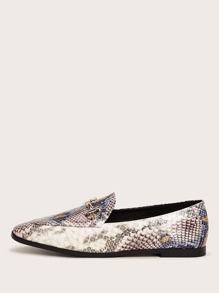Snakeskin Print Snaffle Decor Loafers
